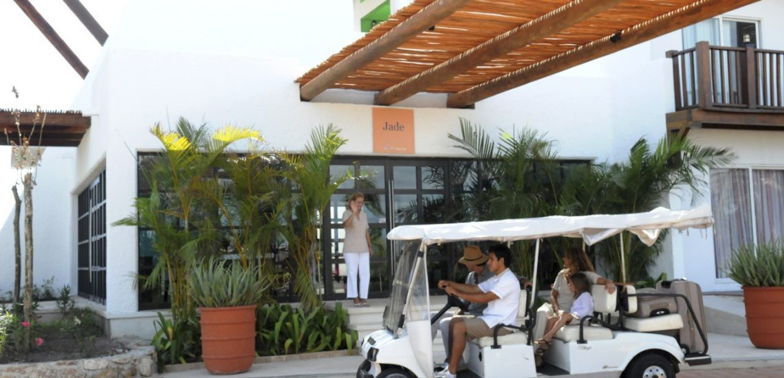 Club Med Cancun Yucatan, Mexique - Image d'un service de voiture offert au village