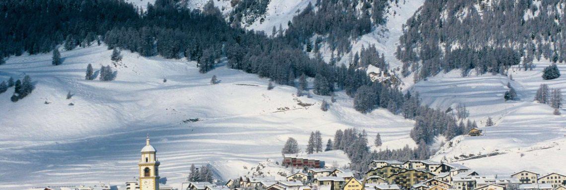 Club Med Saint-Moritz Roi Soleil, en Suisse - Vue sur les complexes extérieurs