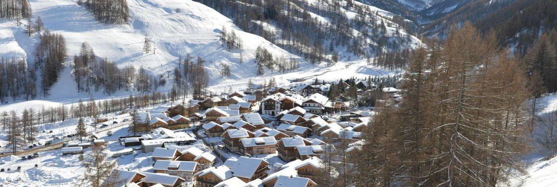 Club Med Pragelato Vialattea, en Italie - Vue du village dans la vallée des Écrins