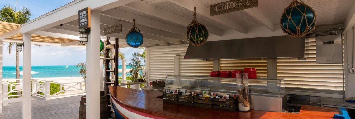 Image du bar extérieur, le Sharkies.
