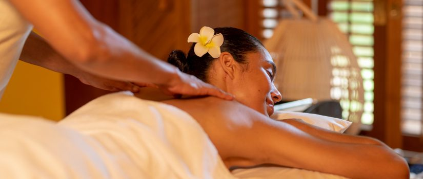 Image d'unefemmequi reçoit un massage de détente