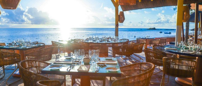 Pause déjeuner face aux eaux translucides de l'océan indien