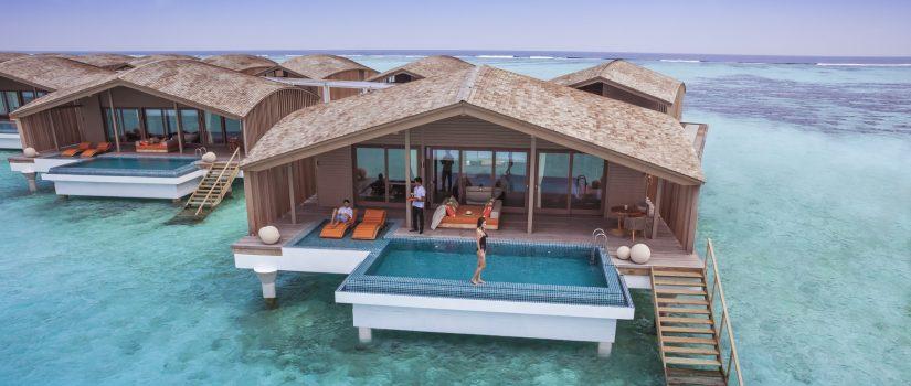Club Med Kani, aux Maldives - Vue d'une piscine privée disponible avec l'hébergement de villas sur pilotis.