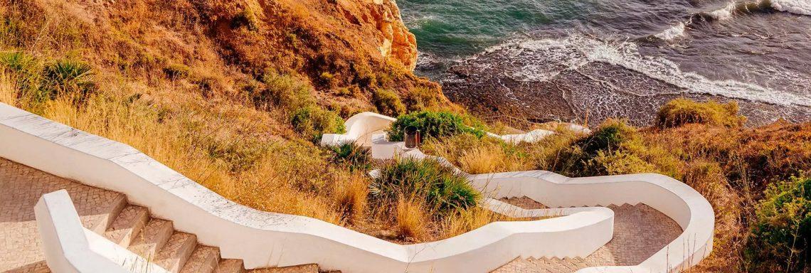 Club Med Portugal Da Balaia - Marche qui se faufile dans les hautes rocheuses