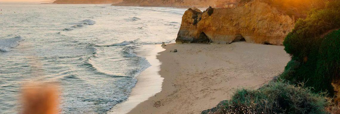 Club Med Portugal Da Balaia - Vue de la plage à la hauteur de la falaise