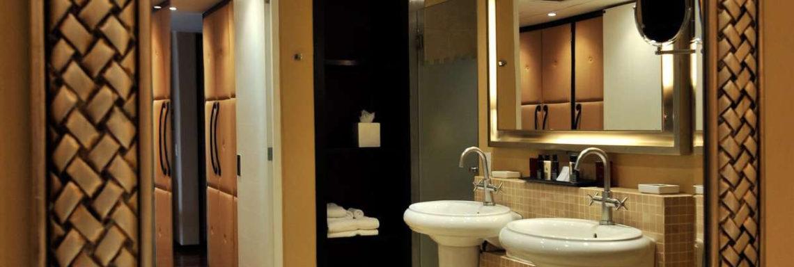 Club Med  Ixtapa Pacific, Mexique - Vue d'une salle de bain moderne aux lavabos doubles
