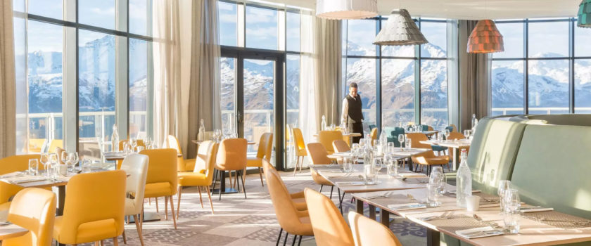 Club Med Arcs Panorama, en France - L'intérieur d'un des restaurants du complexe