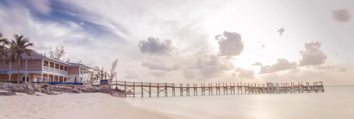 Club Med Columbus Isle, au Bahamas - Le complexe au coucher de Soleil